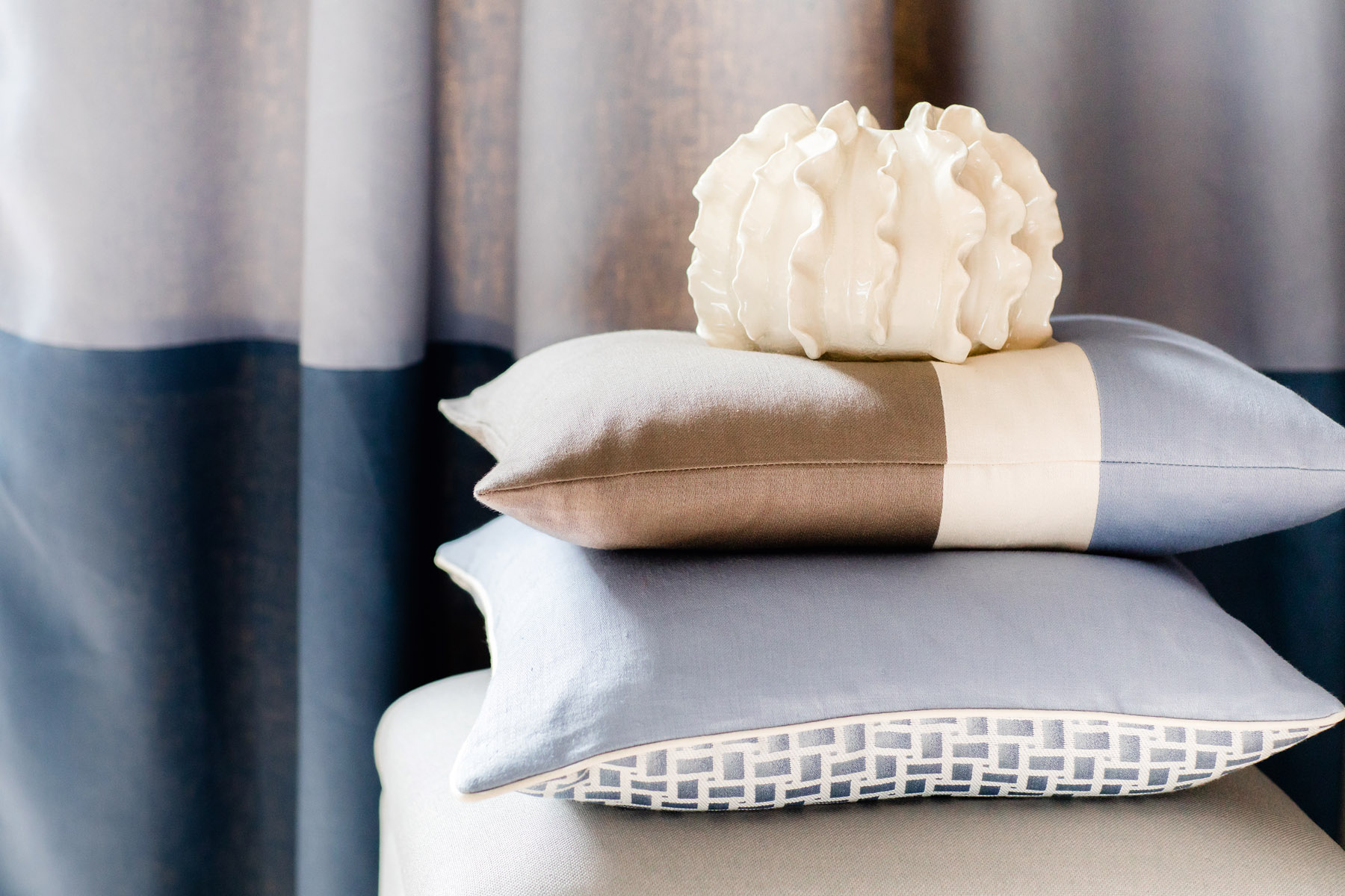 """Solitaire Semi Plain 18/"""" cushion cover 2 colours Matching Curtains avaliable"""